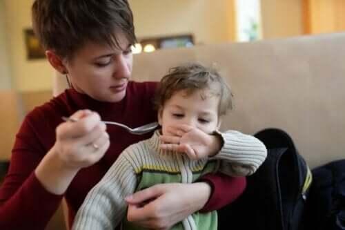Autistilasten syömishäiriöt pienenä voivat jatkua loppuelämän ajan.