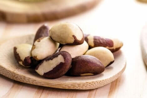 Ruokavalion tulisi sisältää parapähkinöitä, jos kärsii kilpirauhasen liikatoiminnasta