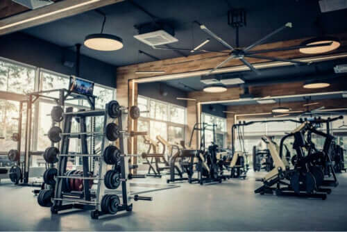 Kovatehoinen liikunta on yksi keino lisätä testosteronia luontaisesti