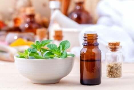 Eteerisen orgenoöljyn hyödyt ulottuvat flunssan hoitoon
