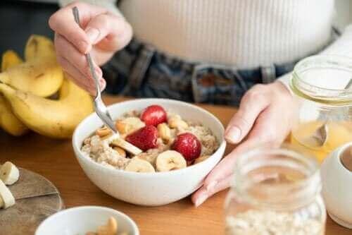 Onko terveellistä syödä kauraa aamiaiseksi?