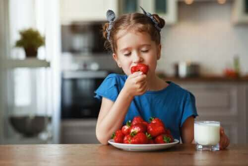 Millaisia hedelmiä kesällä kannattaa syödä?