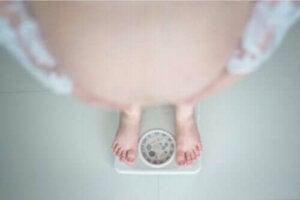 Lihavuus raskausaikana: mitä haittaa siitä on?