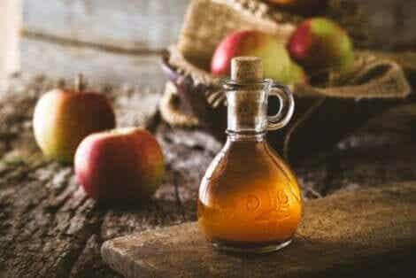 Omenaviinietikan ominaisuudet, joita tiedekin tukee