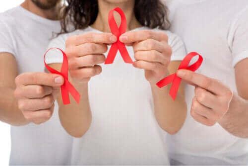 Ihmisen immuunikatoviruksen (HIV) oireet