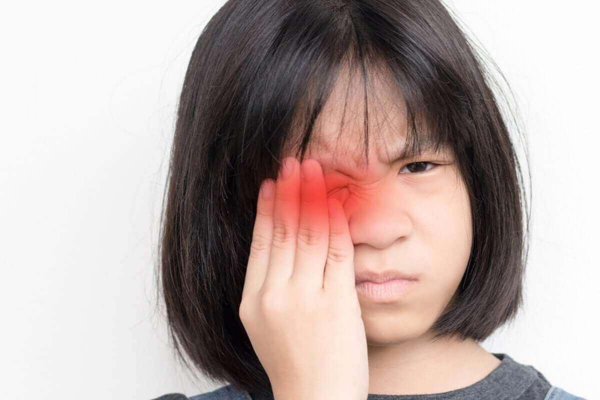 Lapsen sidekalvotulehdus aiheuttaa epämukavuutta.