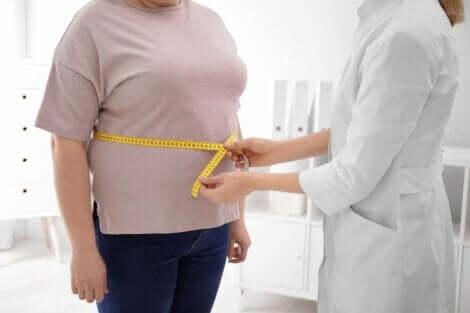 Alaselkäkipu johtuu joskus ylipainosta, mistä syystä painonhallinta on tärkeää