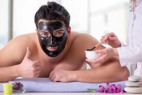Ainesosista riippuu, kuinka kasvonaamiot vaikuttavat iholla
