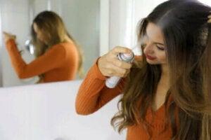 Kuivashampoon käyttö ja hyödyt