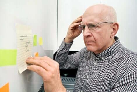 Erilaiset amnesiat vaikuttavat muistiin joko sen puhkeamista edeltävältä tai jälkeiseltä ajalta