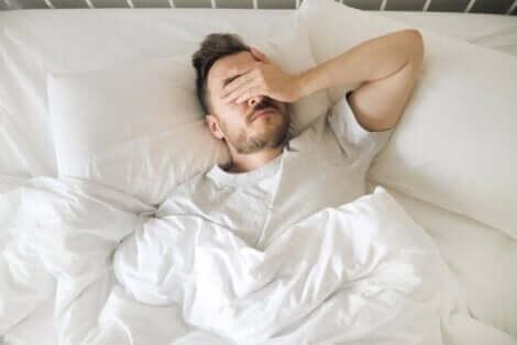 Yöahdistus vaikeuttaa nukkumista