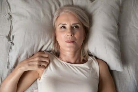Toistuvan unettomuuden taustalla voi olla yöahdistus
