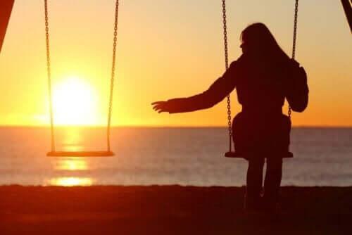 Autofobia saa henkilön kaipaamaan jatkuvasti seuraa