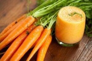 Porkkanasmoothien valmistus ja hyödyt