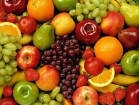 Hiilihydraatit kannattaa valita hedelmien ja vihannesten joukosta