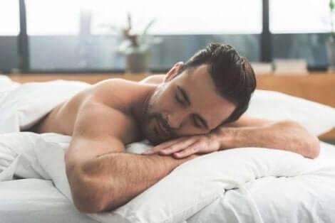 Nukkuessa voi tapahtua yöllinen siemensyöksy