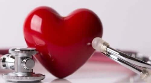 Sydämen sivuäänet voidaan kuulla stetoskoopilla