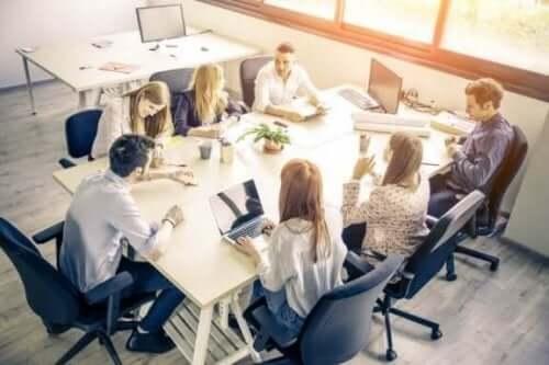 Oman yrityksen perustaminen voi olla keino työskennellä kotoa käsin