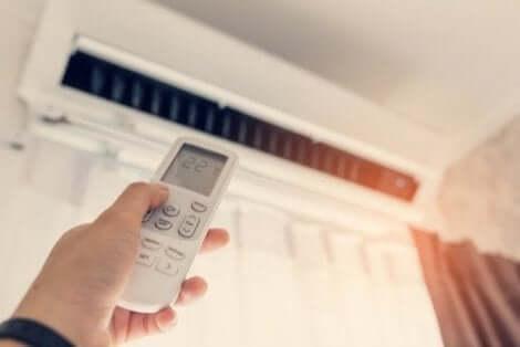Ympäristöstä voi pitää huolta säätämällä kodin lämpötila oikeanlaiseksi