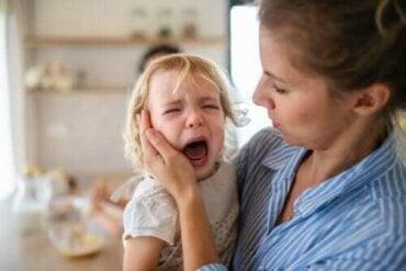 Lasten kiukuttelu: näin voit ehkäistä ja hallita sitä