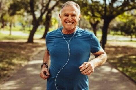 Juoksuvauhdin parantamiseksi voi tehdä sprinttiharjoituksia
