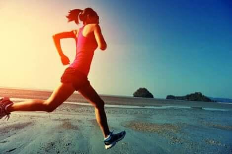 Juoksijoiden kannattaa tietää joitakin hyviä vinkkejä, joilla vältetään vammat ja uupumus
