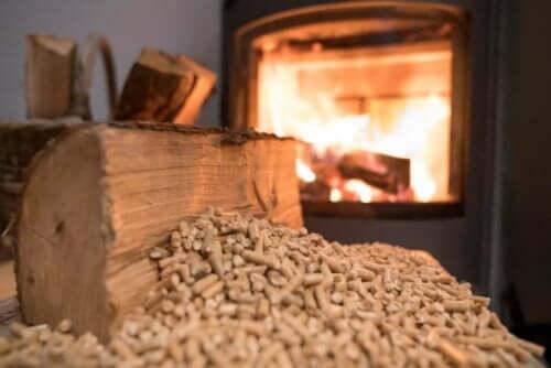 Erilaiset sähkölämmitysjärjestelmät voivat toimia muun muassa biomassalla