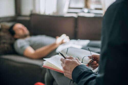 Mitä psykoanalyysi oikein on? Kuinka se toimii?
