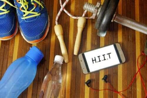 HIIT-treeniä aloittelijoille - harjoituksia ja vinkkejä