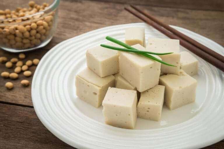 """Vegaanijuustot ovat kasviperäisiä """"juustoja""""."""