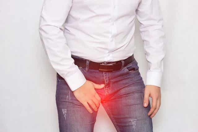 Potku kiveksille saattaa aiheuttaa lamauttavaa kipua.