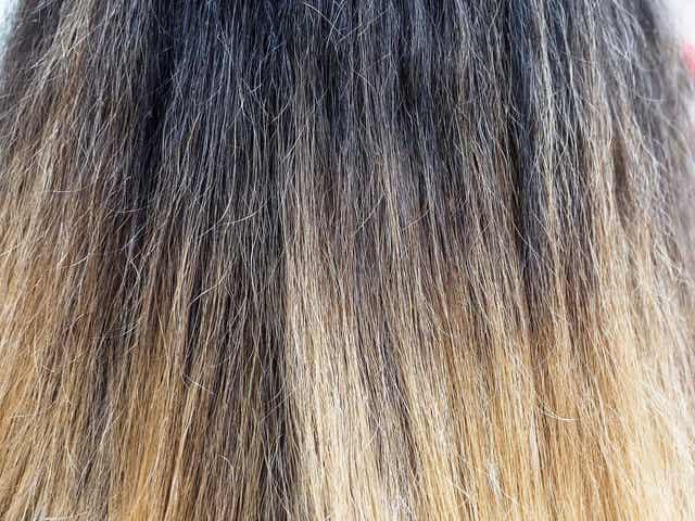 Hiustenpidennysten käyttö voi vaarantaa hiusten terveyden, niiden tyypistä riippumatta. Erityisesti pysyvät tai puolipysyvät pidennykset voivat vahingoittaa hiuksia merkittävästi.
