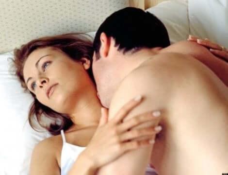Naisten seksuaaliongelmat estävät seksistä nauttimisen