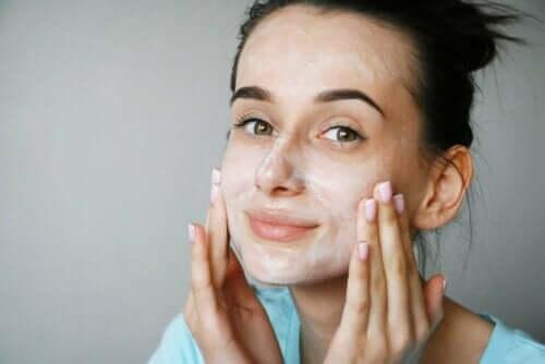 Peptidit ovat kollageenin rakennusaineita, jotka ovat hyödyllisiä iholle.