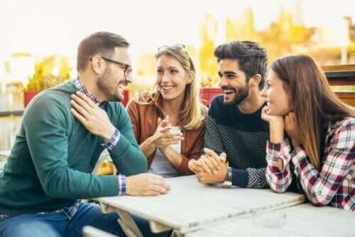 Jotta ihmisen on mukava olla ryhmässä, hänen on hyvä harjoittaa luottamustaan.