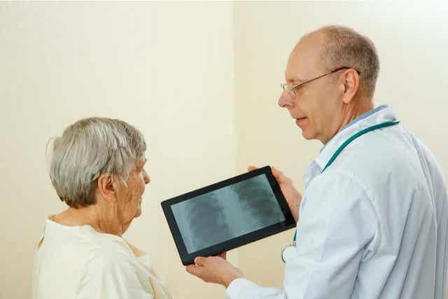 Keuhkoputken tähystyksen jälkeen potilaan on hyvä jäädä joksikin aikaa tarkkailuun.