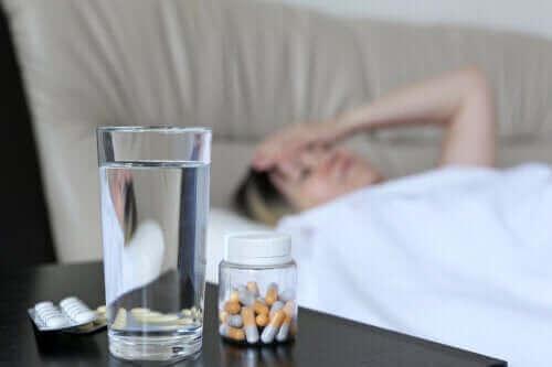 Miksi jotkut lääkkeet aiheuttavat päänsärkyä?