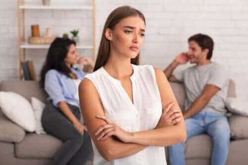 """""""Rebecca-oireyhtymä"""": mustasukkaisuus puolison eksää kohtaan"""