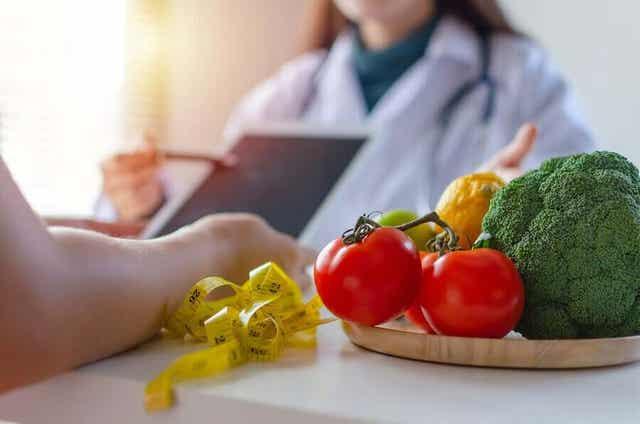 Oikeaoppinen vaihdevuosien ruokavalio ehkäisee lihomista