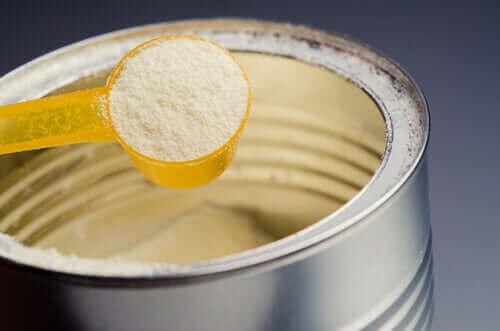 Äidinmaidonkorvikkeet sisältävät paljon sokeria