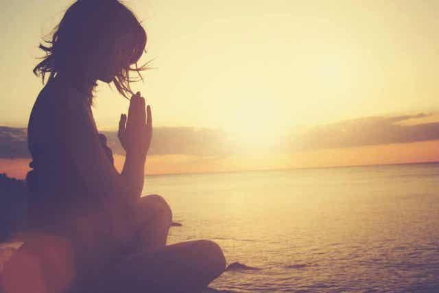 Meditaation harjoittaminen on keino elää tietoisemmin