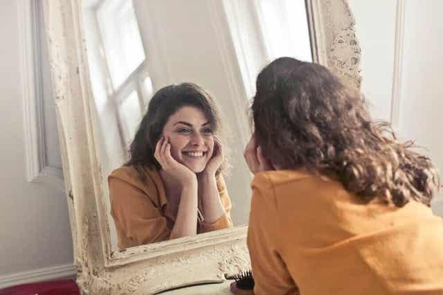 Ihmisen minäkuva voi olla positiivinen tai negatiivinen.