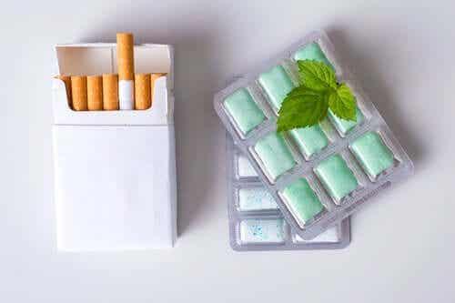 Nikotiinikorvaushoito: purukumi.