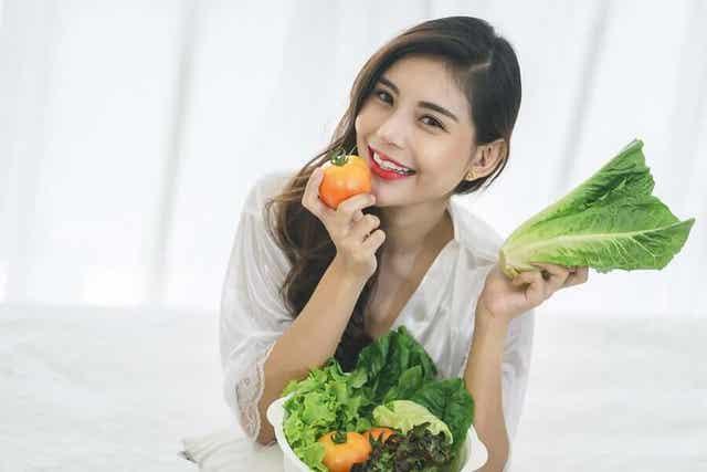 Ruokavalio vaikuttaa ihoon, joten on tärkeää syödä terveellisesti.