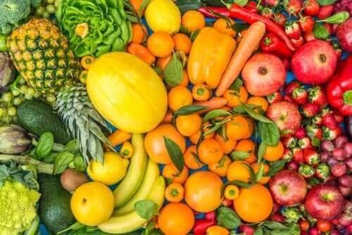 Syö viisi hedelmää ja kasvista päivässä, niin elät pidempään