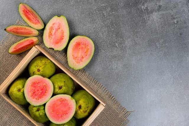 Guava on vähähiilihydraattinen hedelmä
