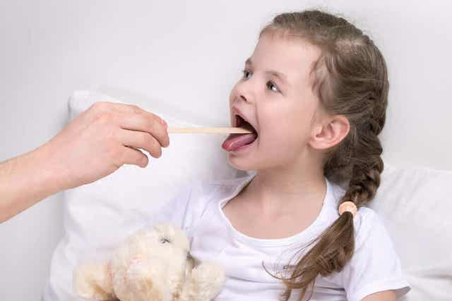 Yleisimmät kurkunpään sairaudet ovat yleisiä lapsilla.