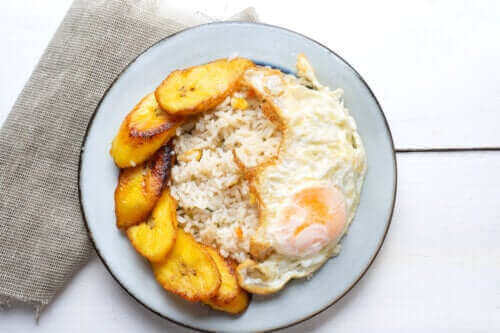 Resepti: kuubalainen riisi keittobanaanilla