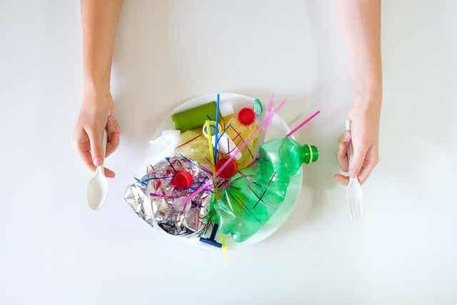 Miten mikromuovit vaikuttavat terveyteemme ja ovatko ne vaarallisia?