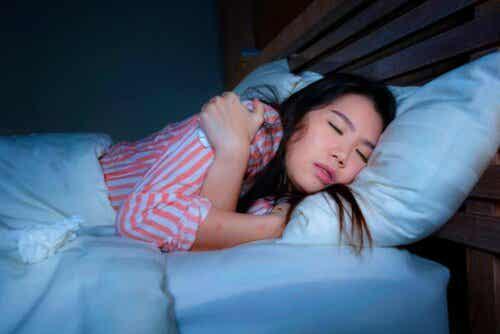 Kokeile venytystä ennen nukkumaanmenoa, niin lepäät paremmin.